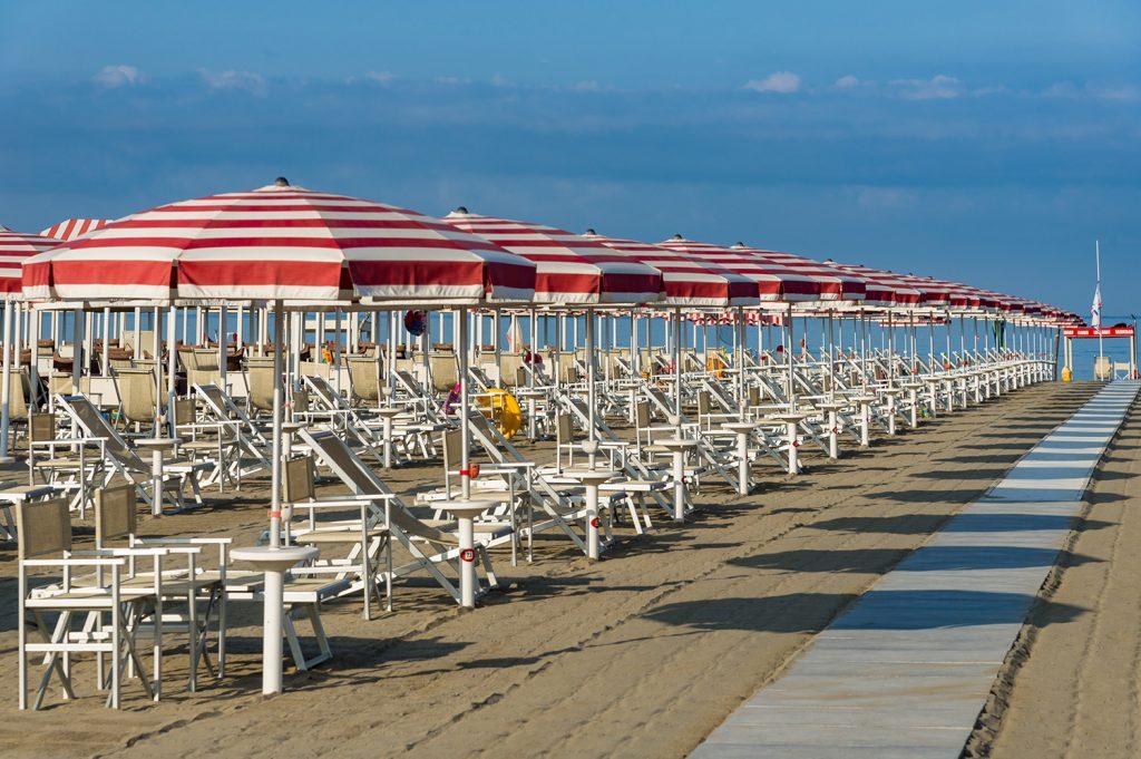 Bagno Patria spiaggia con ombrelloni